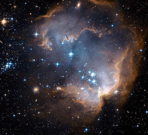 Телескоп «Хаббл» сделал детальные фотографии ранней Вселенной