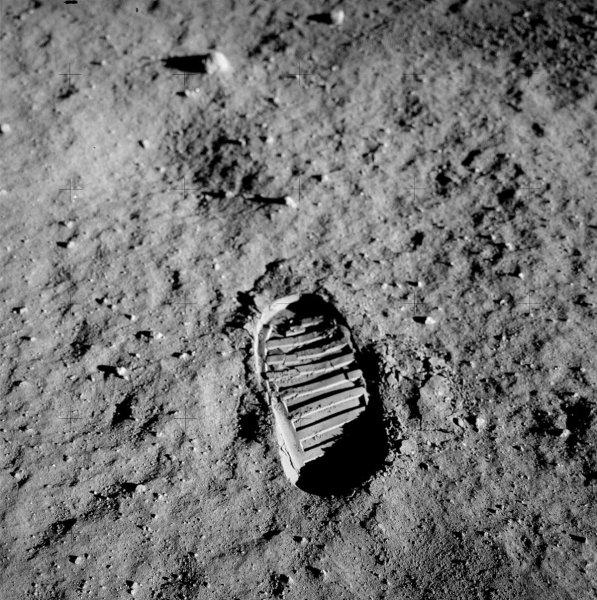 Ученые из ЕКА разгадали загадку «лунной лихорадки», которой страдали астронавты