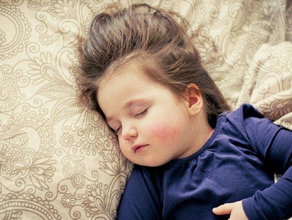Ученые назвали основные правила дневного сна