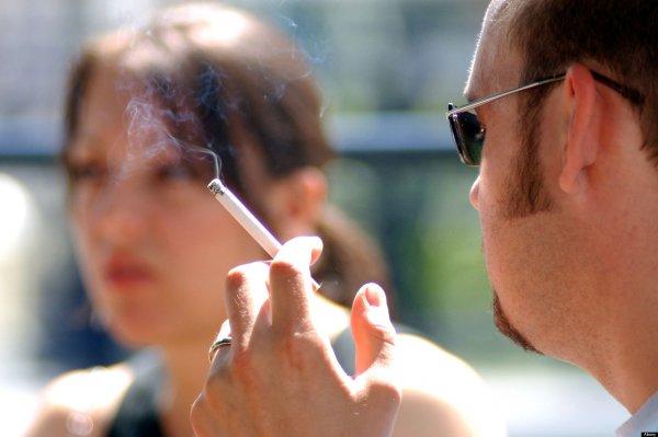 Ученые: Пассивное курение губительно для беременных женщин