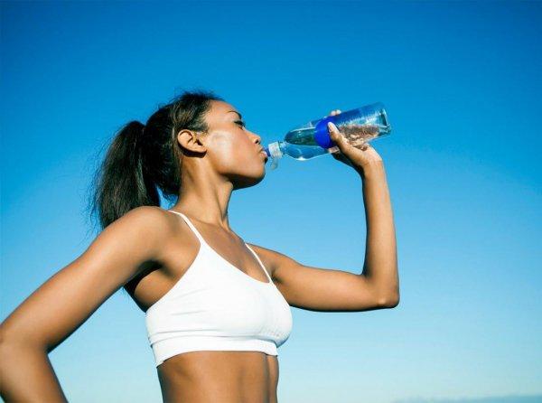 Ученые: Вода в бутылках менее полезна, чем вода из крана