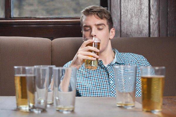 Ученые: Алкоголь разрушает даже самые крепкие семьи