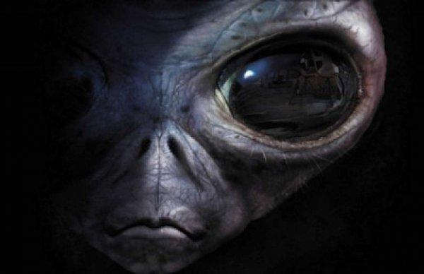Уфологи нашли возле Солнца следы инопланетных технологий