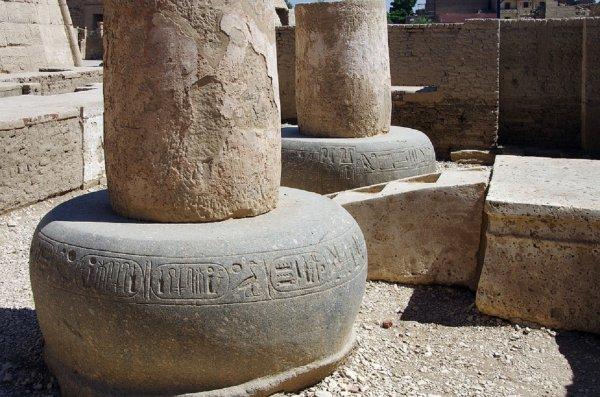 В Египте во время восстановительных работ случайно нашли гробницы номархов