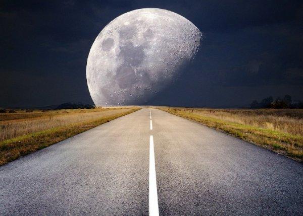 Ученые: Луна в прошлом дважды годилась для жизни