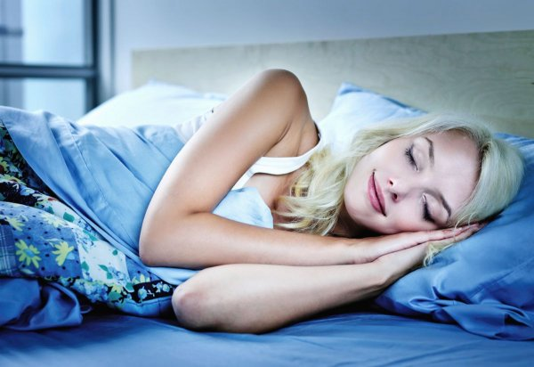 Ди Каприо прав: Ученые объяснили, почему человек не помнит начала сна