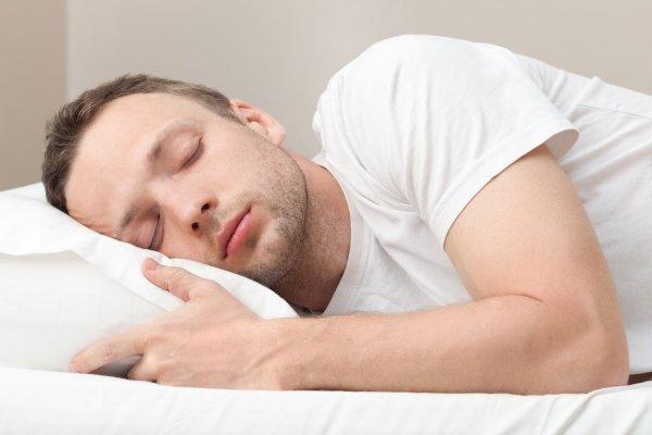 Недостаток сна у мужчин удваивает риск сердечно-сосудистых заболеваний — учёные