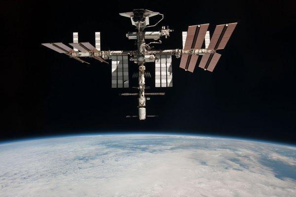 Потоп в японском модуле МКС: Астронавты ликвидируют воду салфетками