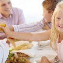 Ученые ответили, можно ли выпивать в присутствии детей
