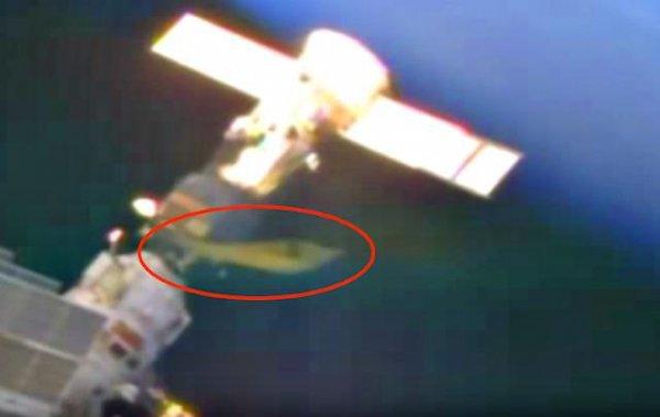 Пришельцы добрались до МКС: Камера зафиксировала огромный желтый НЛО — уфологи