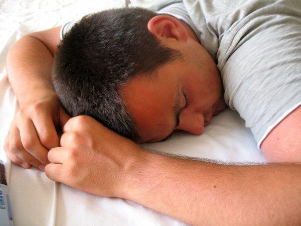 Дневная сонливость свидетельствует о развитии слабоумия