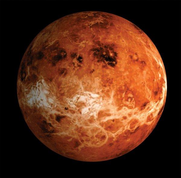 Зонд «Акацуки» прислал красочнее фотографии Венеры