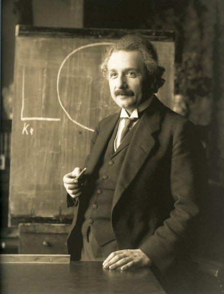 Ученый обнаружил грубые оплошности в теории гравитации Эйнштейна