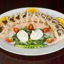 Ученые: Еда из одной тарелки способствует достижению договоренностей