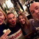 Ученые: Ужин с друзьями способствует похудению