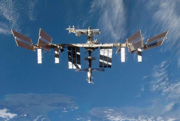 Уфологи засекли корабли-разведчики с Нибиру возле МКС
