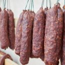 Ученые: Любители колбасы рискуют «заработать» рак