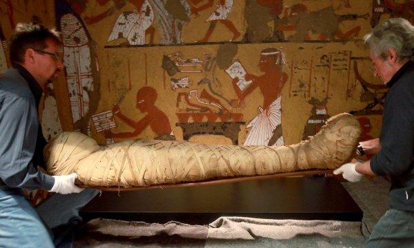 Ученые раскрыли тайну мумии девочки с портретом на лице из Египта
