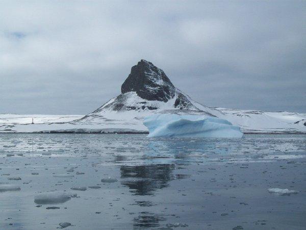 В Антарктиде обнаружили потерпевший крушение НЛО