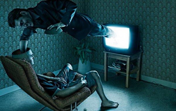 «Секретное оружие Китая»: Перед атакой на США, телевизоры помогут мозгам человечества «зависнуть»