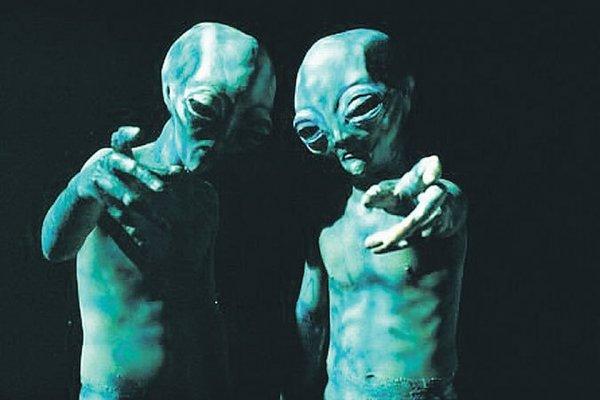 Глупее тараканов: Инопланетяне забили на Землю из-за «недоразвитости» людей