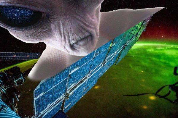 «Дебоширы с Нибиру»: Дыра в корпусе МКС могла быть сделана инопланетянами — новые доказательства