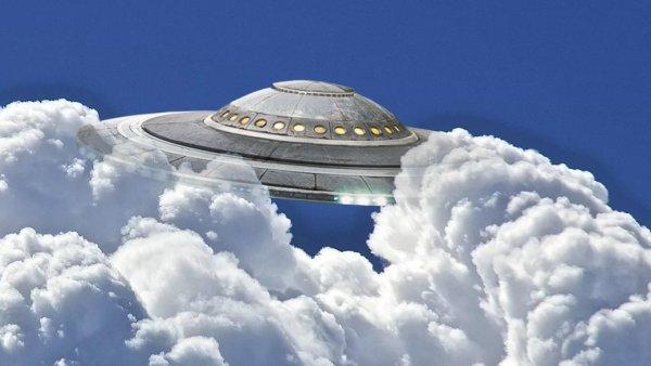 Зависают над Землей. Облака прячут пришельцев Нибиру
