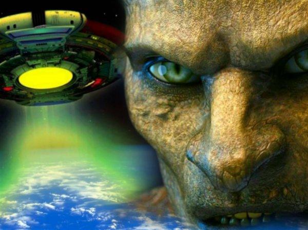 НЛО создают торнадо: Пришельцы «высасывают» ядро Земли, прикрываясь аномалией