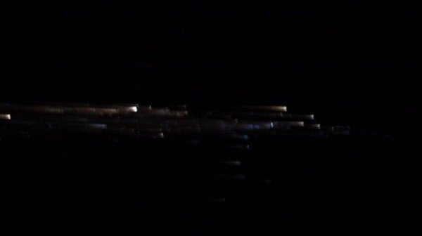 Они захватили спутники! Астронавты МКС засняли армаду пришельцев в опасной близости с Землей