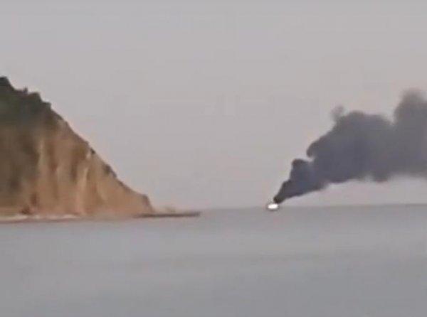 Кошмар Черного моря: Краборылый мутант с Нибиру потопил рыболовецкое судно и направился к берегу