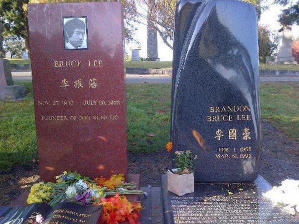 Ищет убийцу сына: Призрак Брюса Ли напал на людей в США