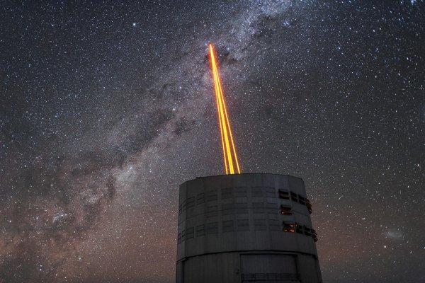 Земные небоскрёбы служат маячком для галактической армии — уфологи