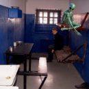 «Под шконку к гуманоидам!» Штурмовавшего Зону 51 россиянина посадили в камеру с пришельцами