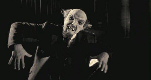 Ленин – вампир! Голодный вождь покусал студентку в Москве – эксперт