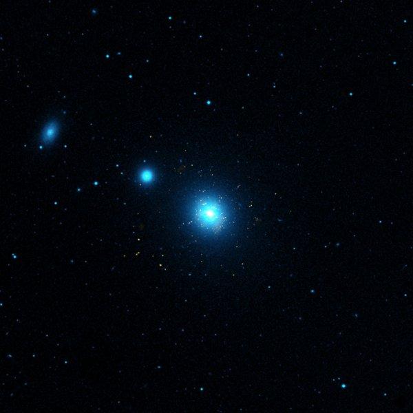 «Занами следят»: 16 спутников пришельцев окружили Землю— учёный