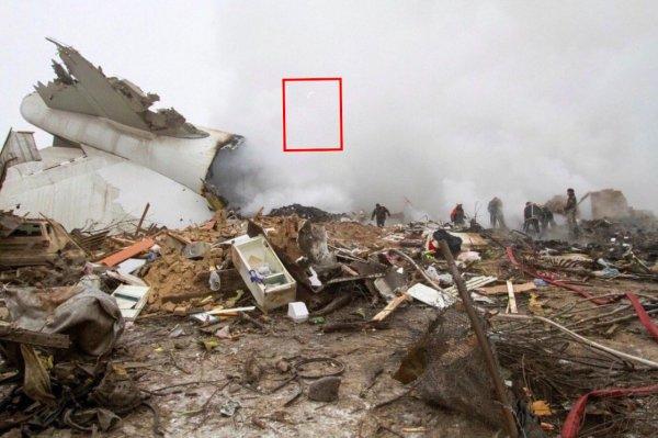 На месте крушения Боинг-747 заметили призрак погибшего пилота