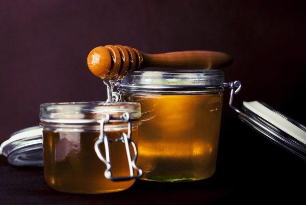 Медовые чары. Заговор на мёд помогает убрать до 10 кг за неделю — эзотерик