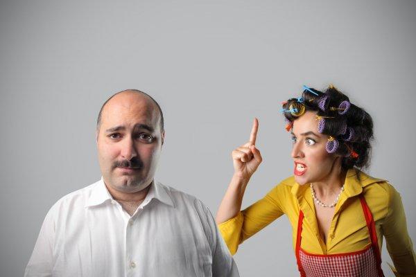Сама виновата! Эксперт рассказал, какие 3 привычки жены мешают разбогатеть мужчине