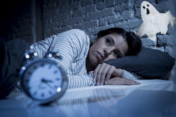 Проснулся ночью – жди беды! Медиум рассказал об истинных причинах пробуждения