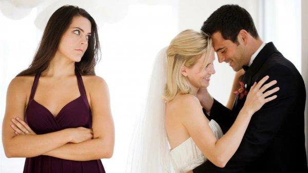 Разлучница по имени: От каких подруг стоит скрывать мужа?