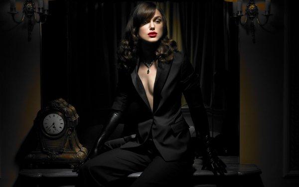 Одежда, меняющая судьбу. Гардероб «женского счастья» назвала эзотерик