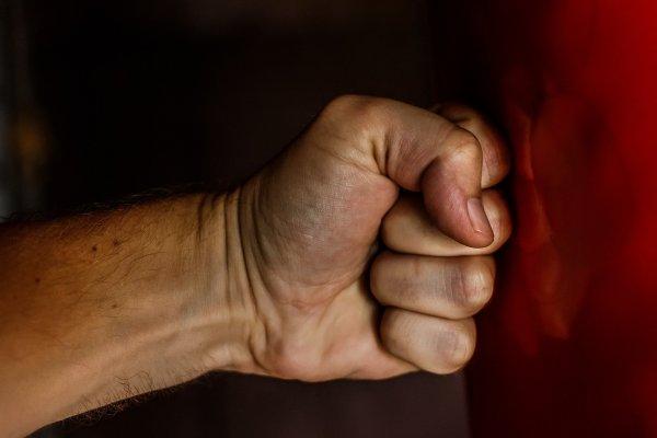 Бьёт - значит любит: Способны поднять руку на жену именно эти 3 знака Зодиака - астролог