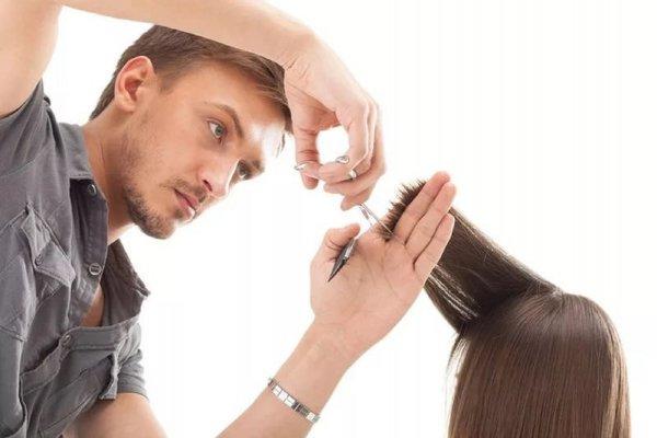 Потеряешь любовь: Почему нельзя доверять волосы парикмахеру противоположного пола?