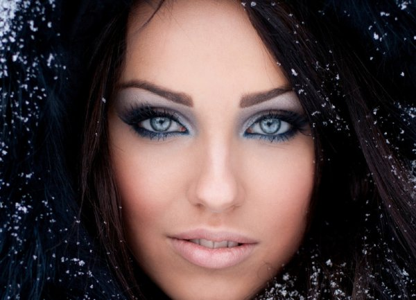 Лайфхак богини: Как красить глаза, чтобы привлечь успех и любовь