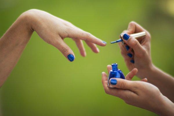 Цвет настроения синий? Какой цвет поможет Водолеям привлечь счастье в феврале
