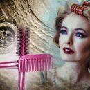 Счастье смыть в туалет: Почему запрещено бросать волосы с расчёски в воду