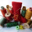 К жениху или невесте: Почему цепляются нитки к одежде?