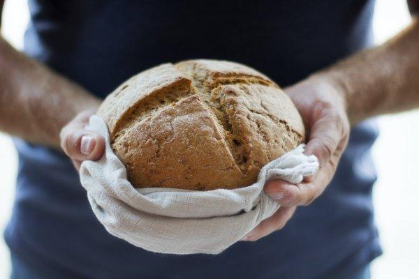 Хлеб перевернул - беды раздул: Как продукты привлекают негатив
