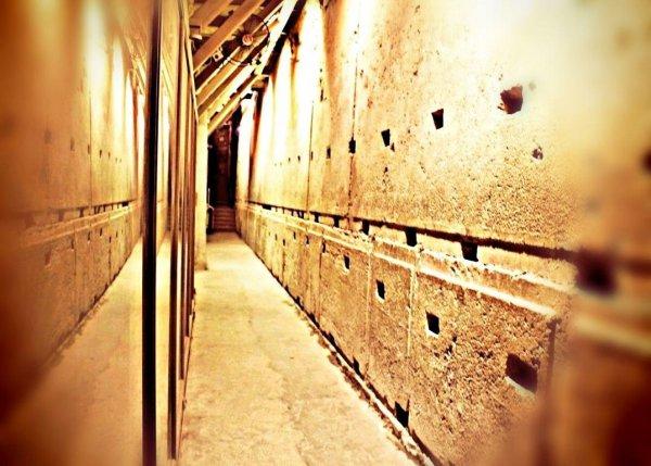 У Стены Плача археологи обнаружили три загадочные подземные камеры
