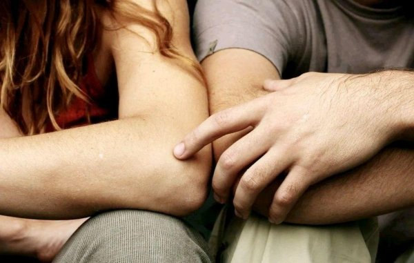 Почему объятия исцеляют, а массаж делает умнее